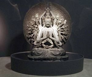 Buda: Seja como o s�ndalo que perfuma o machado que o corta.