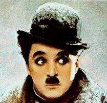 Charlie Chaplin: A f� desempenha em nossa vida um papel mais impor�tante do que supomos, e � o que nos permite fazer mais do que pretendemos. Creio que a� est� o elemento precursor de nossas ideias. Sem a f� n�o se teriam elabo�rado jamais hip�teses e teorias, nem se teriam inven�tado as ci�ncias ou as matem�ticas. Estou convencido de que a f� � um prolongamento do esp�rito: negar a f� � condenar-se e condenar o esp�rito que engendra todas as for�as criadoras de que dispomos.