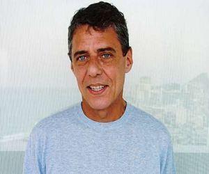Chico Buarque: Fa�o samba e amor at� mais tarde, e tenho muito sono de manh�.
