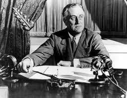 Franklin Delano Roosevelt: O �nico homem que nunca comete erros � aquele que nunca faz coisa alguma. N�o tenha medo de errar, pois voc� aprender� a n�o cometer duas vezes o mesmo erro.